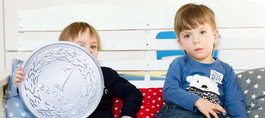 Grześ (z lewej) i Andrzejek są pogodnymi przedszkolakami. Dużo rozrabiają i rozpiera ich energia. Niewielu wie, że obaj poważnie chorują