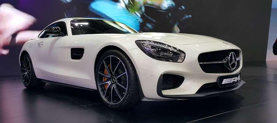 Niemcy wybierają auta srebrne, szare, czarne i białe