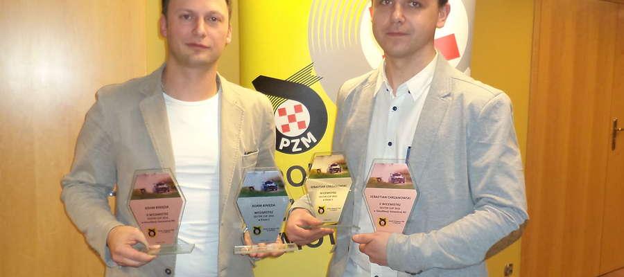 Bartoszycko-olsztyńska załoga rajdowa Adam Binięda (z lewej, pilot) i Sebastian Chrzanowski (kierowca)