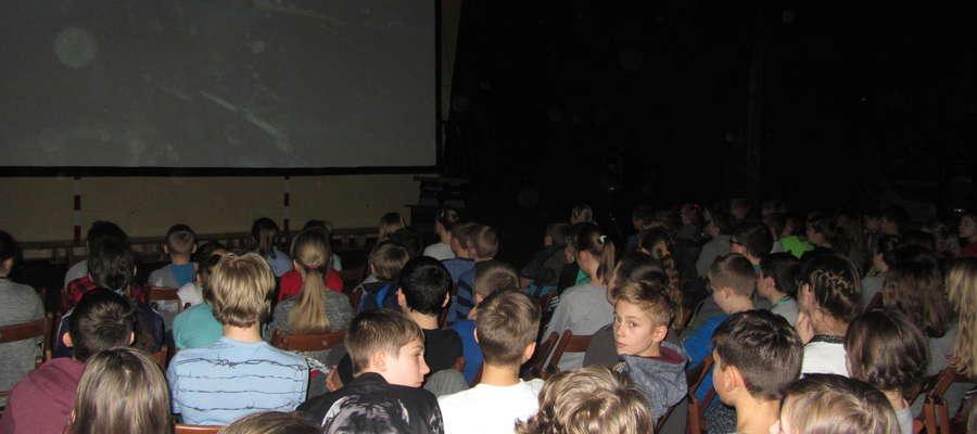 Kino objazdowe w reszelskiej szkole