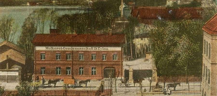 Przy ulicy Królowej Jadwigi przed i po wojnie mieściła się mleczarnia, dziś jest tu galeria handlowa Jeziorak