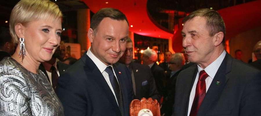 Zdzisław Ziółkowski z parą prezydencką Agatą i Andrzejem Duda