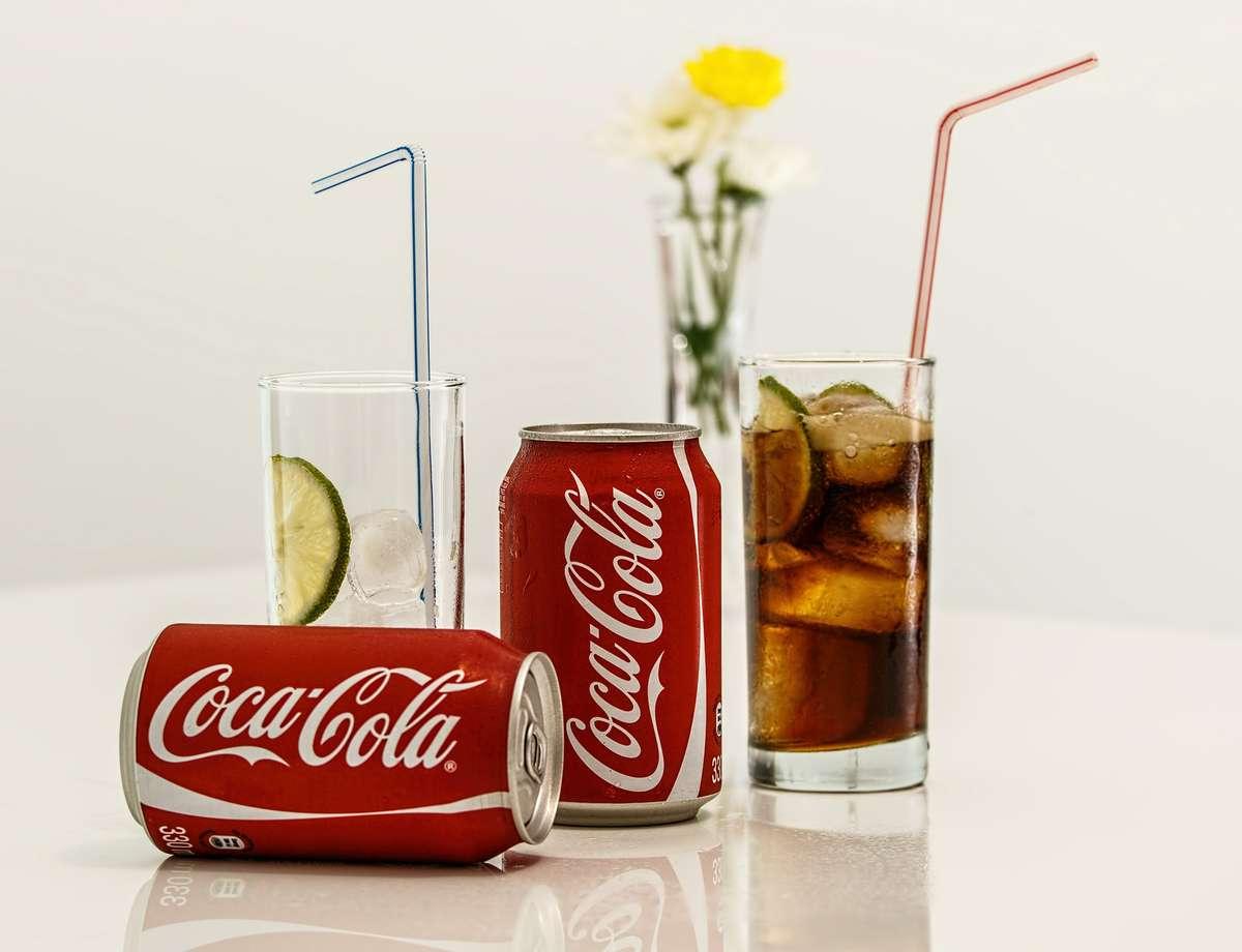 Będzie mniej cukru w Coli, Pepsi i Red Bullu - full image