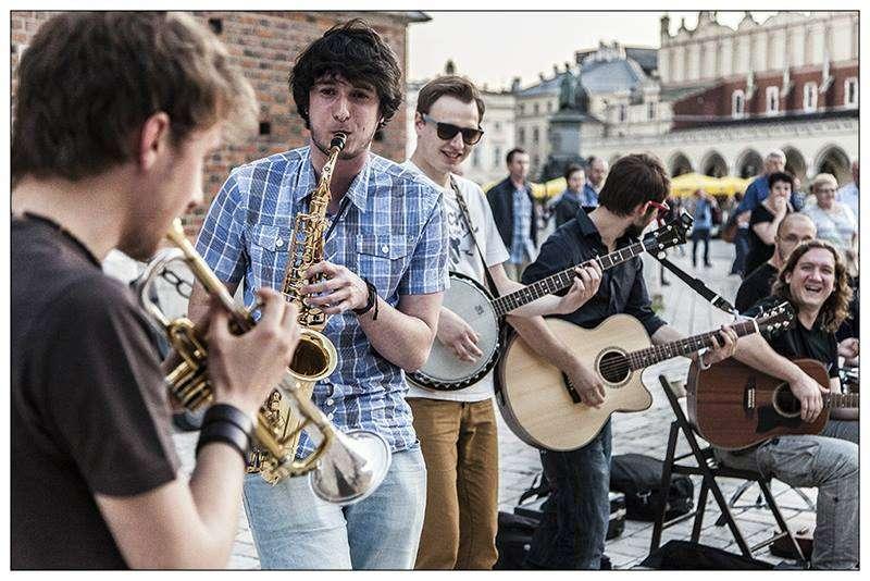 Kraków Street Band na olsztyńskiej scenie - full image
