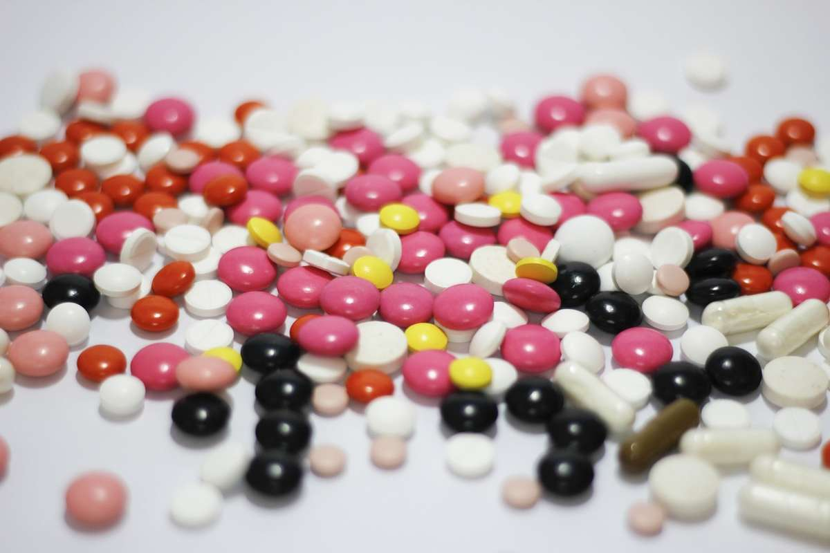 NIK alarmuje: suplementy diety mogą być szkodliwe dla zdrowia i życia - full image