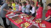 Kiermasz słodkości w Szkole Podstawowej w Wieliczkach