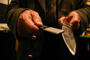 Dźgnięty nożem w sklepie