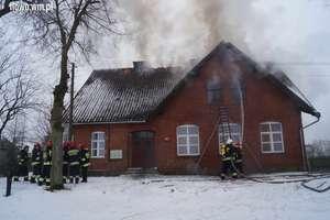 Pożar w budynku świetlicy [film, zdjęcia]