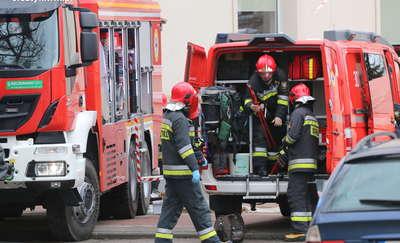 Tragiczny pożar na Jarotach. Nie żyje jeden z lokatorów mieszkania
