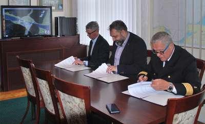 Umowa podpisana. Projekt kanału przez Mierzeję powstanie do sierpnia 2018 r.
