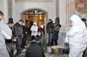 Frombork. Archeolodzy otworzyli kryptę biskupa Szembeka