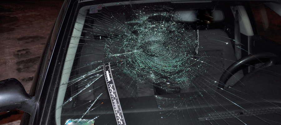 Właściciel samochodu wycenił straty na kwotę blisko 2 tys. zł