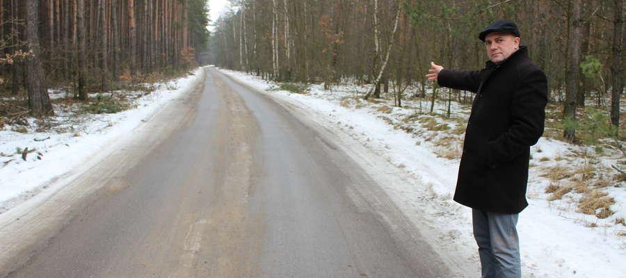 Wójt Piotr Kostrzewski, nie wyobraża sobie roziórki tej drogi.