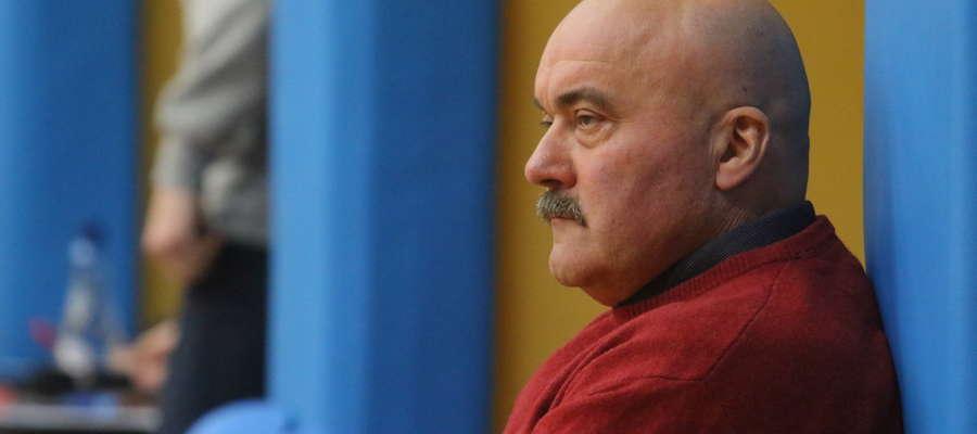 Trener Tomasz Sztąberski ma o czym myśleć: sezon zbliża się ku końcowi...