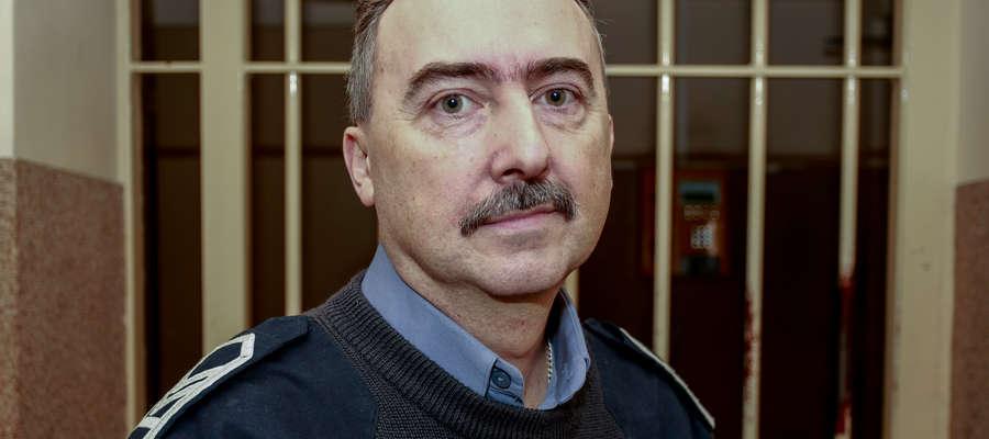 Marek Niewiadomski od 20 lat pracuje jako oddziałowy w Areszcie Śledczym w Elblągu