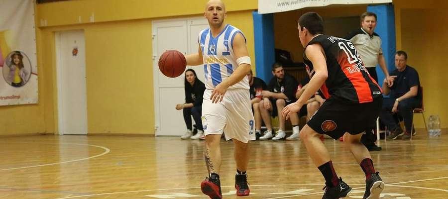 Koszykarze Stomilu pokonali Pogoń Lębork