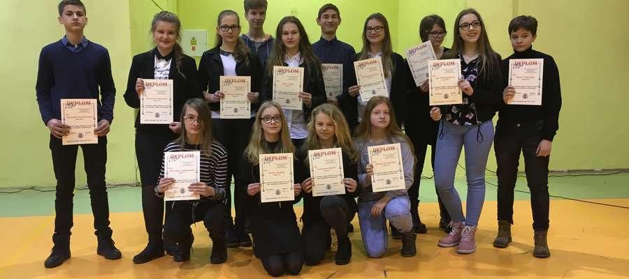 20 stycznia 2017 r. dyrektor Gimnazjum nr 1 w Lidzbarku Warmińskim Dorota Olszewska na apelu szkolnym przedstawiła wyniki pracy uczniów klas I-III w pierwszym semestrze