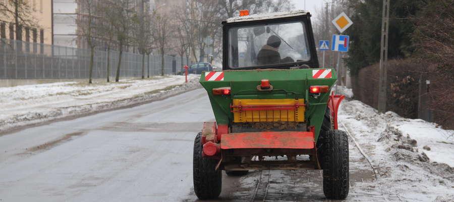 Tej zimy wiele osób, mieszkańców Giżycka, narzeka na stan ulic i chodników