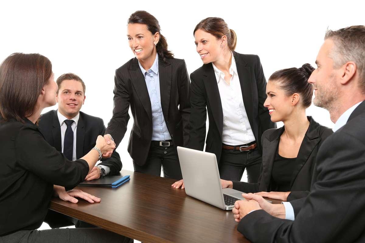 Kobiety kontra rynek pracy - full image