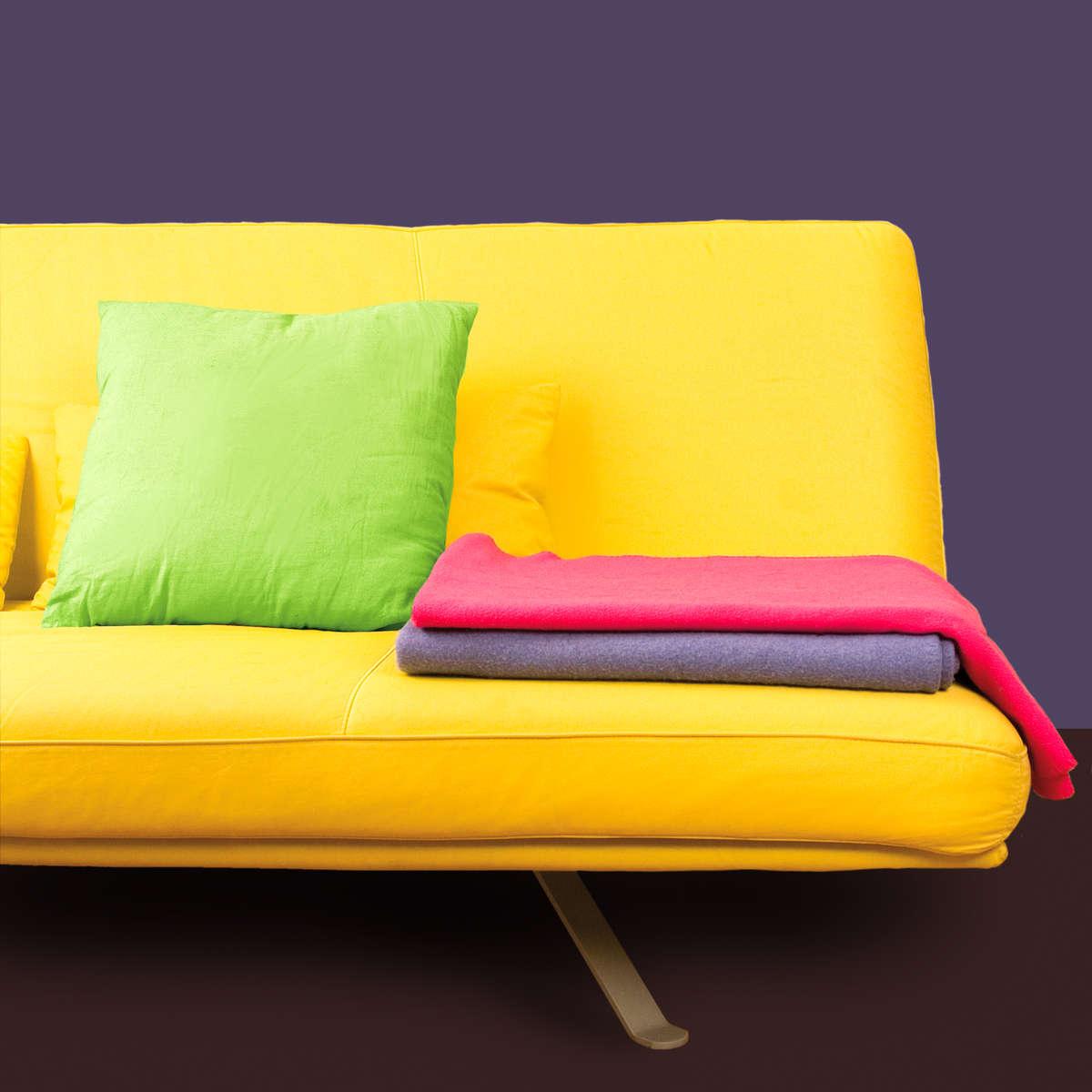 Stara kanapa a nowe wnętrze - full image