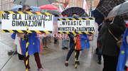 Nauczyciele strajkują. Nie chcą reformy szkolnictwa