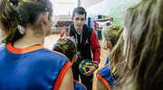Elbląscy uczniowie trenowali z koszykarzami Trefla Sopot [zdjęcia]