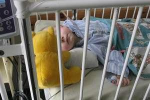 Matka z Prostek chciała wyleczyć ciężko poparzone dziecko przez Facebooka