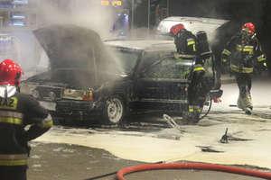 Samochód zapalił się na stacji paliw w Olsztynie