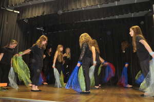 Uczniowie SP Staświny prezentują swoje talenty