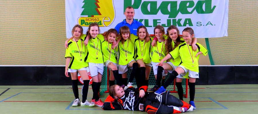 Dziewczęta pokazały niezwykłą dojrzałość na boisku ku zdziwieniu rodziców i trenerów innych drużyn