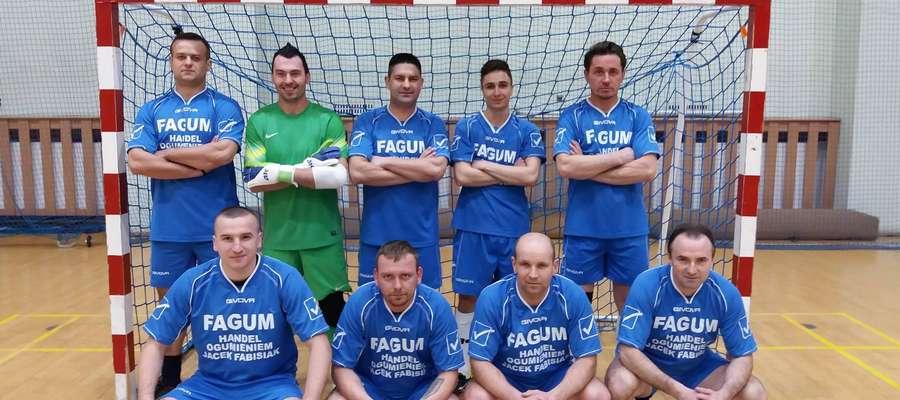 FAGUM-PWiK TEAM zwycięża Amatorską Ligę Piłki Halowej