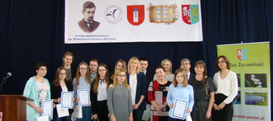 Wspólne zdjęcie laureatów konkursu
