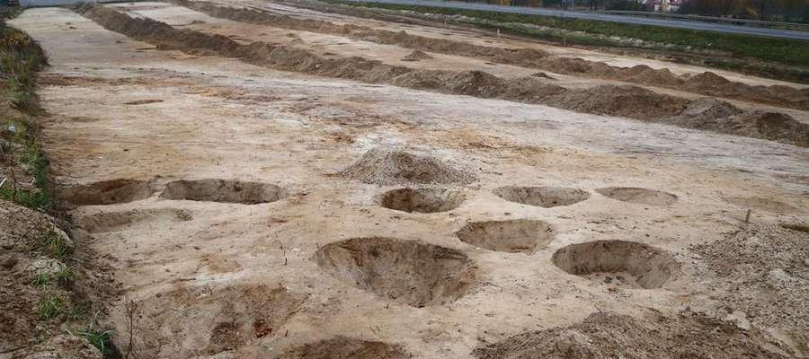 Badania Archeologiczne prowadzone były także m. in. na terenie budowy drogi Olsztyn - Olsztynek. Zdjęcie jest ilustracją treści