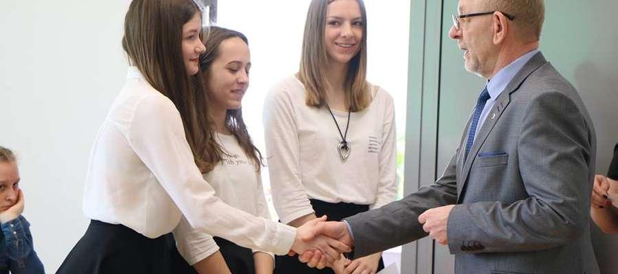 Gratulacje od dyrektora Mirosława Wodary