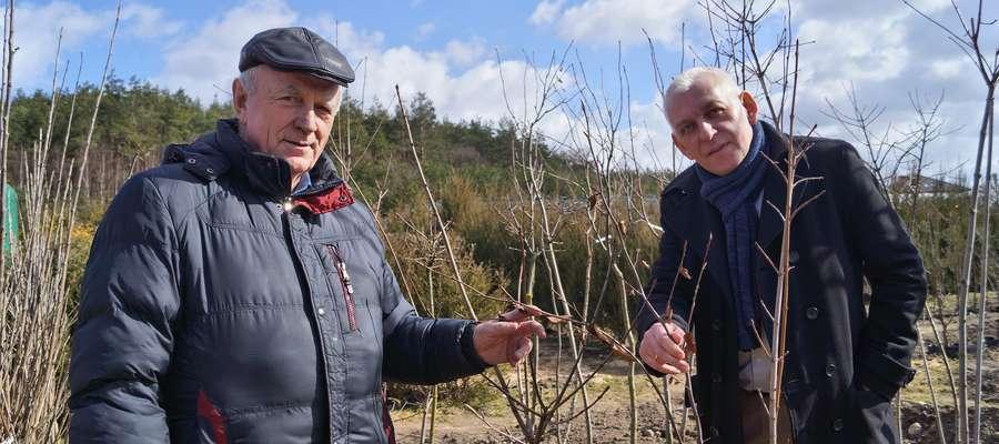 Burmistrz Działdowa Grzegorz Mrowiński i Antoni Furtak, pełnomocnik firmy Eltrim Company