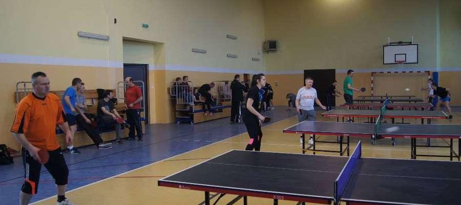 Podczas rozgrywek tenisistów z nowomiejskiej gminy