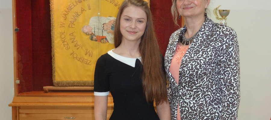 Julia Madoń i jej polonistka Beata Hajduk