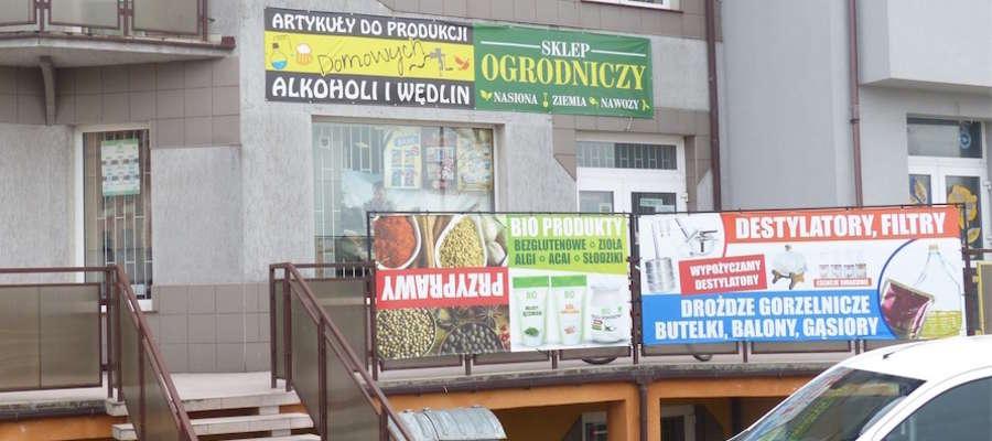 — W  naszym sklepie  zakupią Państwo wszystko co jest   potrzebne,  by  cieszyć  się  smakiem domowych wędlin – mówi Dawid Okorski, właściciel