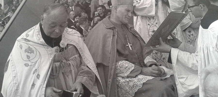 Abp. Karol Wojtyła podczas koronacji obrazu w Gietrzwałdzie 10 września 1967 roku
