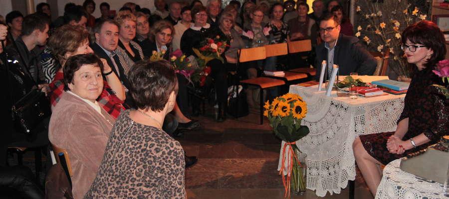 W Sępopolu Anna Osowska spotkała się z bardzo serdecznym przyjęciem licznie przybyłej publiczności