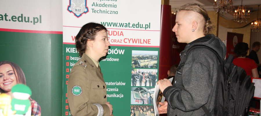Podczas targów młodzież miała okazję poznać ofertę szkół wyższych