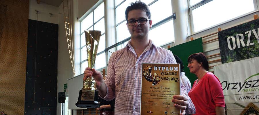 Krzysztof Budrewicz już po raz drugi z rzędu okazał się najlepszy przy orzyskich szachownicach