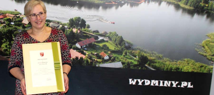 Ewa Kulpińska-Mejor z wyróżnieniem od marszałka województwa wydminy.pl