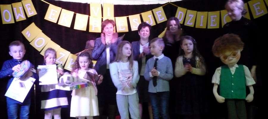 """W Młodzieżowym Domu Kultury odbyły się VI Powiatowe Ekspresje Dziecięce """"O Złote Pióro Poezji"""""""