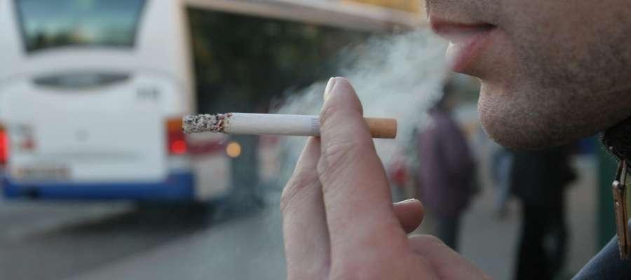 Palenie na przystanku