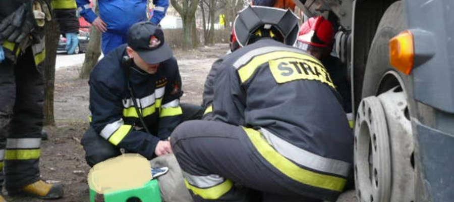 Mimo szybkiej akcji strażaków i ratowników medycznych kobiety nie udało się uratować