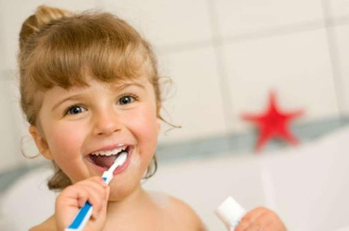 Małe dzieci zagrożone próchnicą - full image