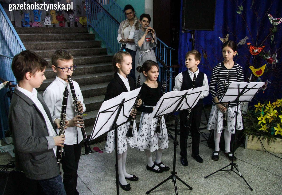 Wiosenny Koncert w Altanie w wykonaniu małych skrzypków - full image