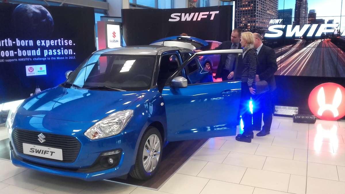 Swift, ignis i pojazd księżycowy od Suzuki  - full image