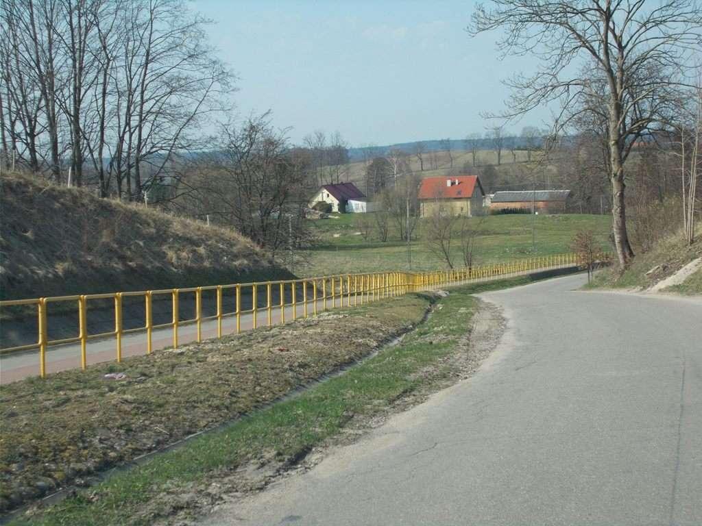 To jedna z najdłuższych w Polsce tras rowerowych na podłożu z polbruku - full image